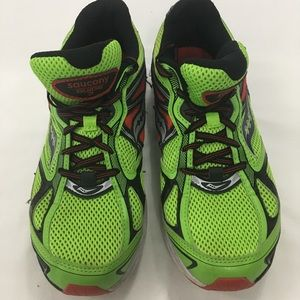 Boys Saucony Sz 7 Guide 7 Running (Fits Girls Too)